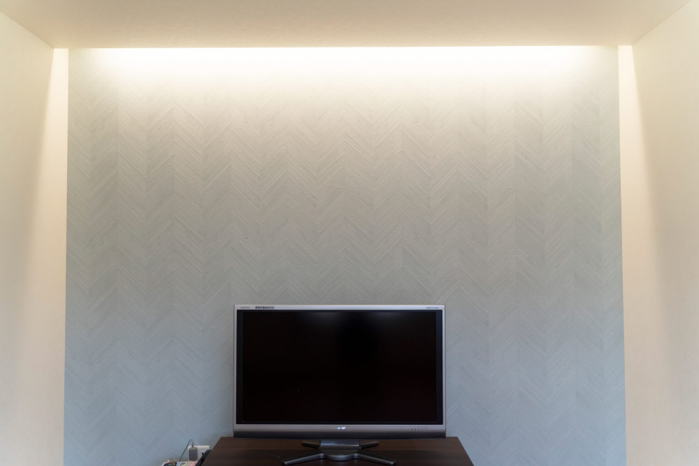 テレビ台と壁